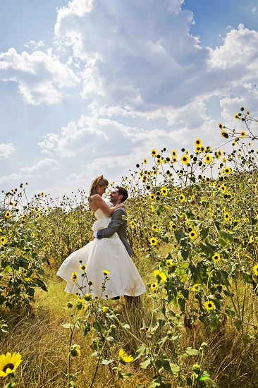 Brid and Groom in Sunflower field